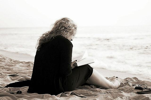 Literature Geek Websites to Read Anywhere Whenever You Want